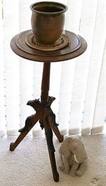 EHT001 Folk Art Carved Wood Side Table, Pottery & Elephant