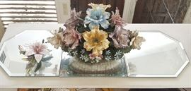 EHT038 Large Capodimonte Porcelain & Mirrored Display Stands