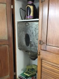 Antique Hoosier cabinet, with Flour sifter