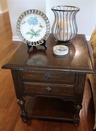 Ethan Allen oak end table