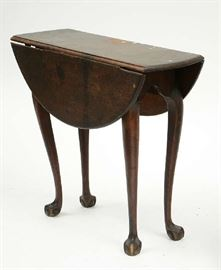 """Lot 5: Fabulous small Chippendale walnut drop leaf tea table old surface, New England, ca.1770-1780 found in a Thetford, VT. attic, 25.5""""H. x 29.5""""L"""
