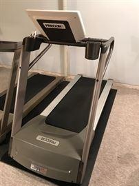 Precor treadmill - 9.27 - EXCELLENT CONDITION