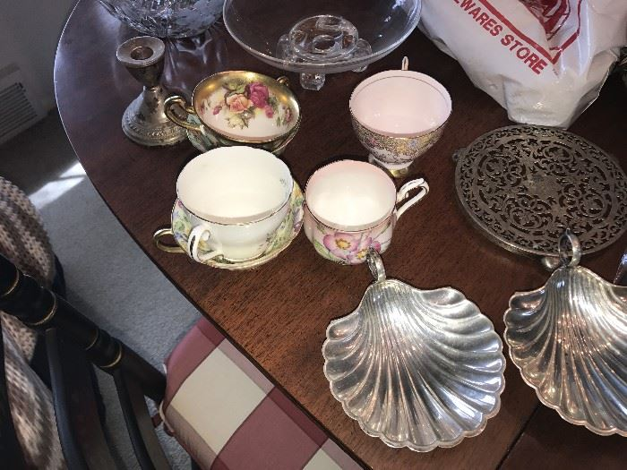 STERLING SILVER SHELL PLATES, STERLING SILVER BOWL, CANDLE HOLDER AND MORE