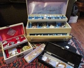 vintage jewelry lots and lots