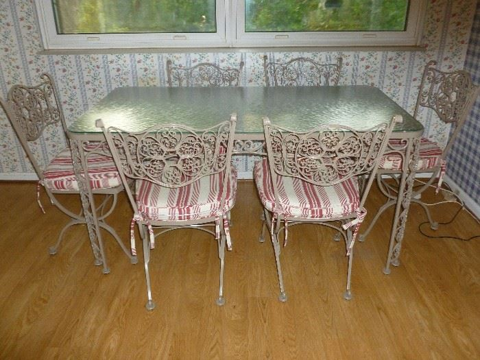 WOODARD TABLE W/6 CHAIRS..Awesome!!