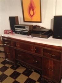 Buffet has mirrored inserts behind the vintage stereo! Matches the large table too!