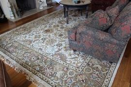 "9.1 x 12.3 beautiful area rug made in India. Color noted as ""Sand"""