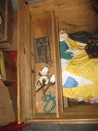 Trunk side box