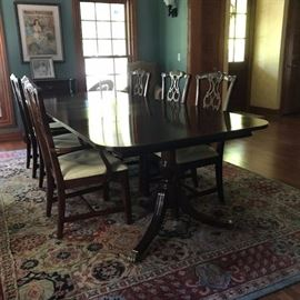 CHIPPENDALE MAHOGANY CLASSIC FORMAL DINING TABLE AND 6 CHAIRS (Rug not for sale)