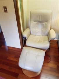 Vinyl Chair with Ottoman