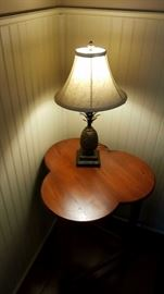 Three Clover End Table and Pineapple Lamp