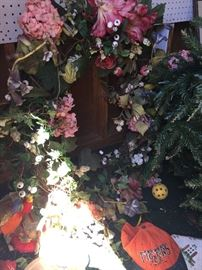 Floral Items - Wreaths