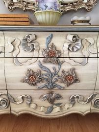 Dresser ornate, antique white Mirror ornate, antique gold