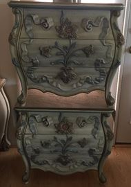 Nightstands ornate, antique white