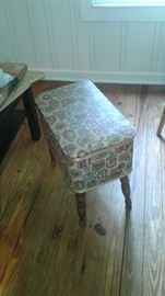 Vintage sewing case/stool. Very cool!