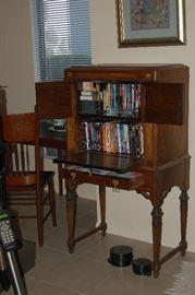 Radio Cabinet.