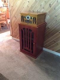 repop radio/CD/Turntable & vintage-style record cabinet