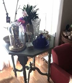 Ornate occasional table, vases, clock in glass dome, cobalt lidded dish