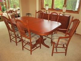 "Amish made Canal Dover dining set with 6 chairs, four 12"" leaves & custom pads.  Expands from 60"" to 108"""