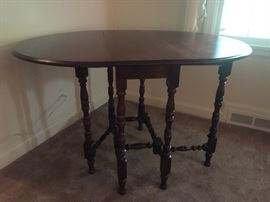 mahogany drop leaf gate leg table