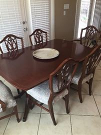 Vintage Duncan Phyfe style dining table with six side chairs