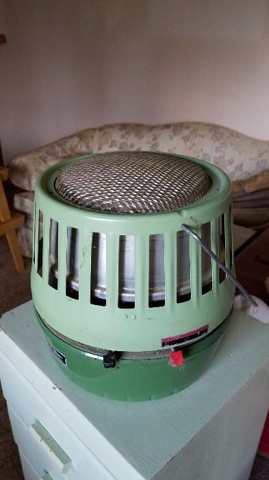 Antiques tools and muchmuchmore starts on 5 20 2017 for Fish house heater