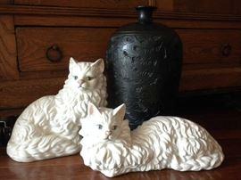 POTTERY CATS & VASE
