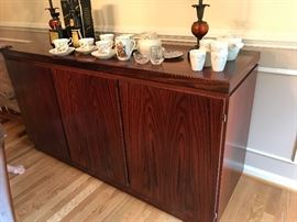 Scan sideboard