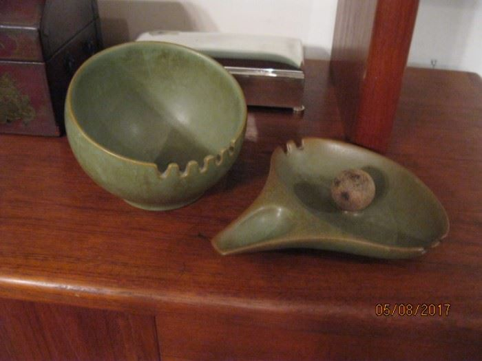 Hyalyn pottery made in Hickory, NC