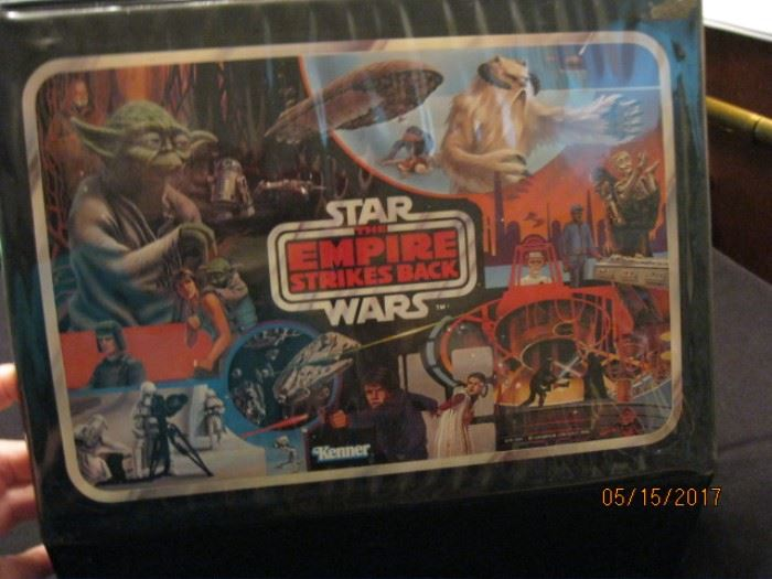 1982 Star Wars carrying case, will be sold with the 24 figures.
