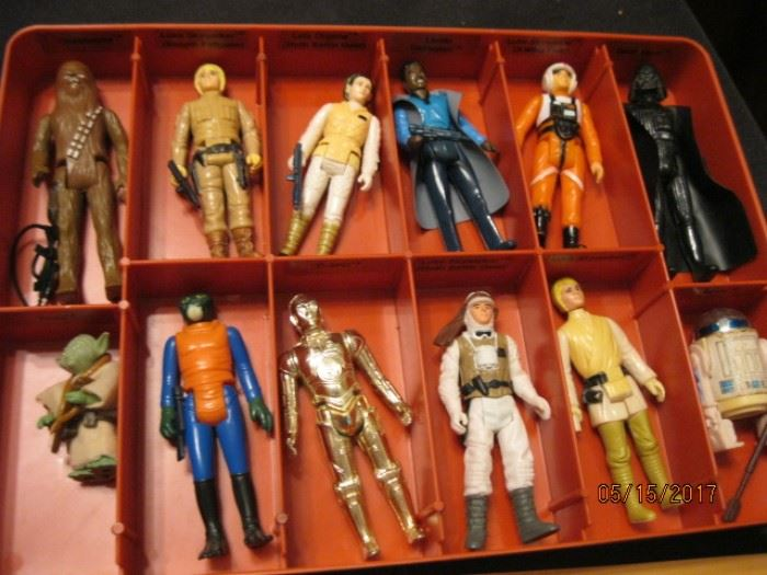 Additional 12 figures, all in very fine condition.