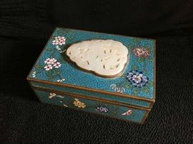 QING DYNASTY CLOISONNE BOX, BRONZE & ENAMEL, WITH JADE INSERT