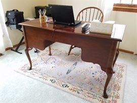 queen anne style writing desk