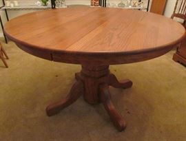 """Soild Oak Round Pedestal Dining Table with a 18"""" Leaf (not shown)"""