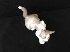 Lladro kitten