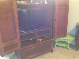 Armoire for TV or clothes