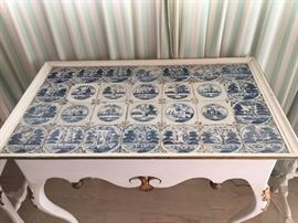 Danish painted table, by Lysberg, Hansen & Terp, circa 1950, with 17th / 18th century Delft tiles top.