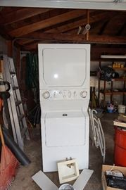 Maytag Neptune white Washer and Dryer Combo