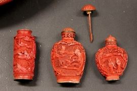 carved snuff bottles - Asian lacquer / cinnabar
