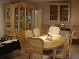 Excellent overall condition dining table and 8 chairs, with matching China hutch