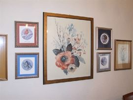 ASSORTED WALL DECOR AND PRINTS
