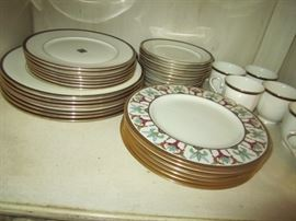 LENOX CHINA PATTERN IS TOSCA