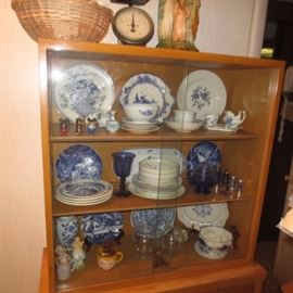 Tons of Vintage China and collectibles
