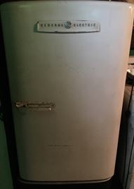 Vintage GE Refrigerator - Works Great!