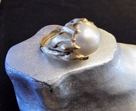 14KT GOLD  1970'S PEARL RING