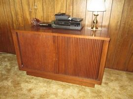 Curtis Mathis console TV.  Works!  Cabinet would also be great for a bar cabinet repurpose project.