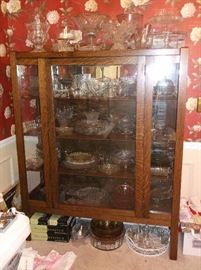 Mission tiger oak china cabinet in immaculate condition with pressed and cut glass