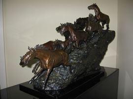 Hugh Trabandt bronze