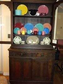 PRIMITIVE HUTCH...VINTAGE METLOX DINNER WARE