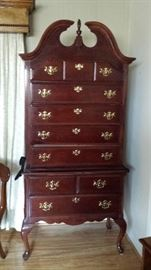 colonial dresser